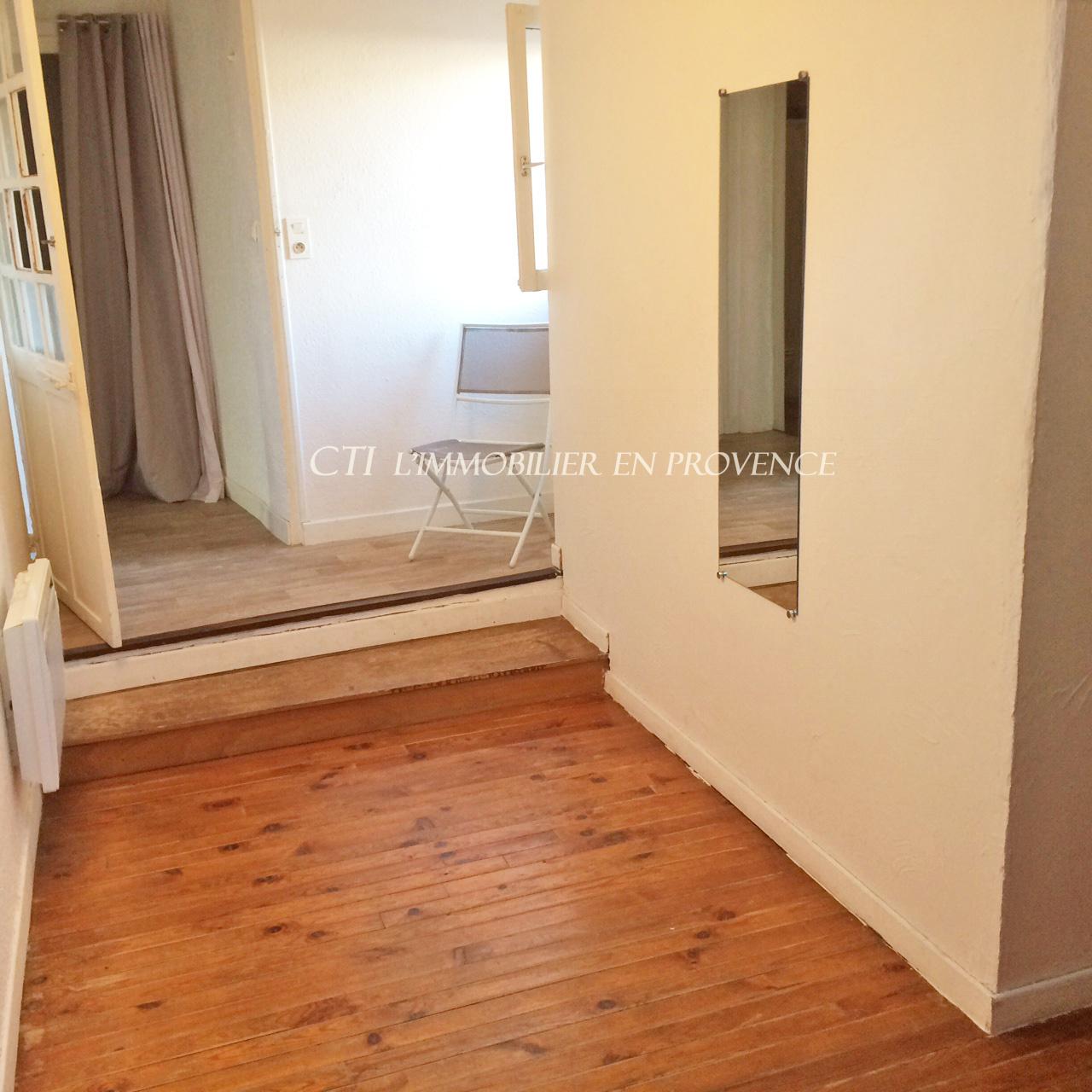 0 www.cti-provence.net appartement T2 centre ville de Vaison la Romaine