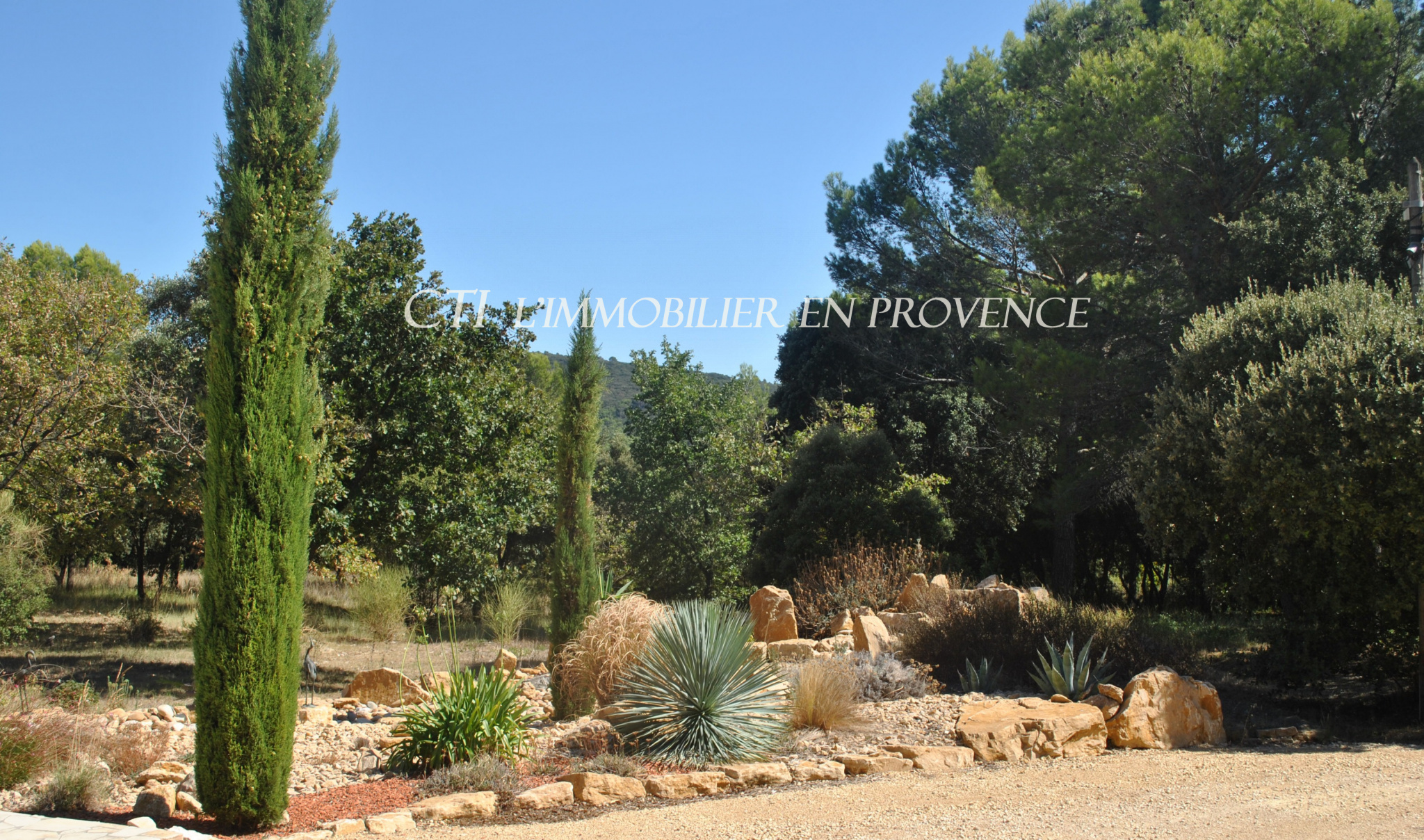 0 www.cti-provence.net vente  villa provençale plain pied, confort, modernité, grand t