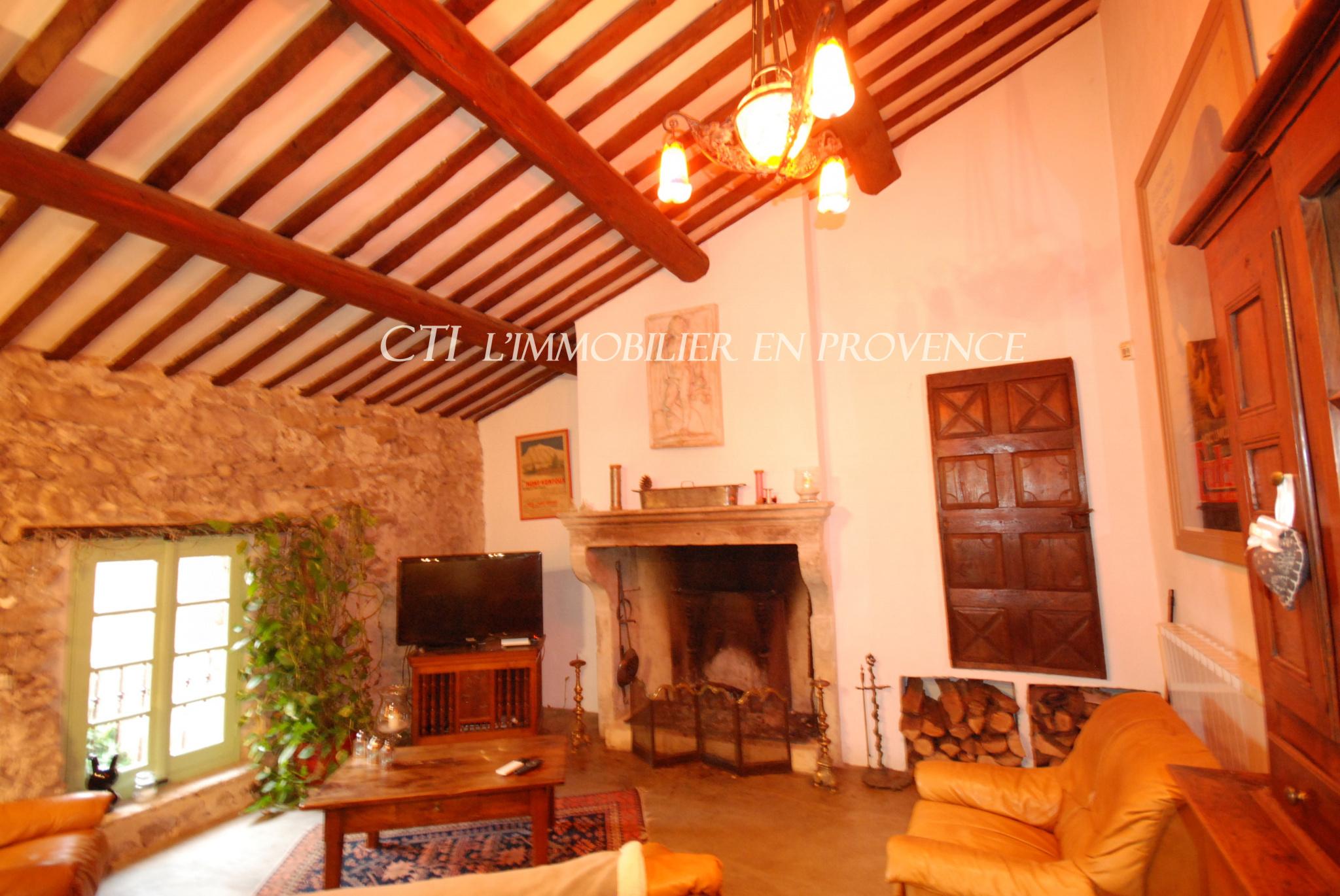 0 www.cti-provence.net, ancien corps de ferme restauré, charme, terrain avec vieux bassin