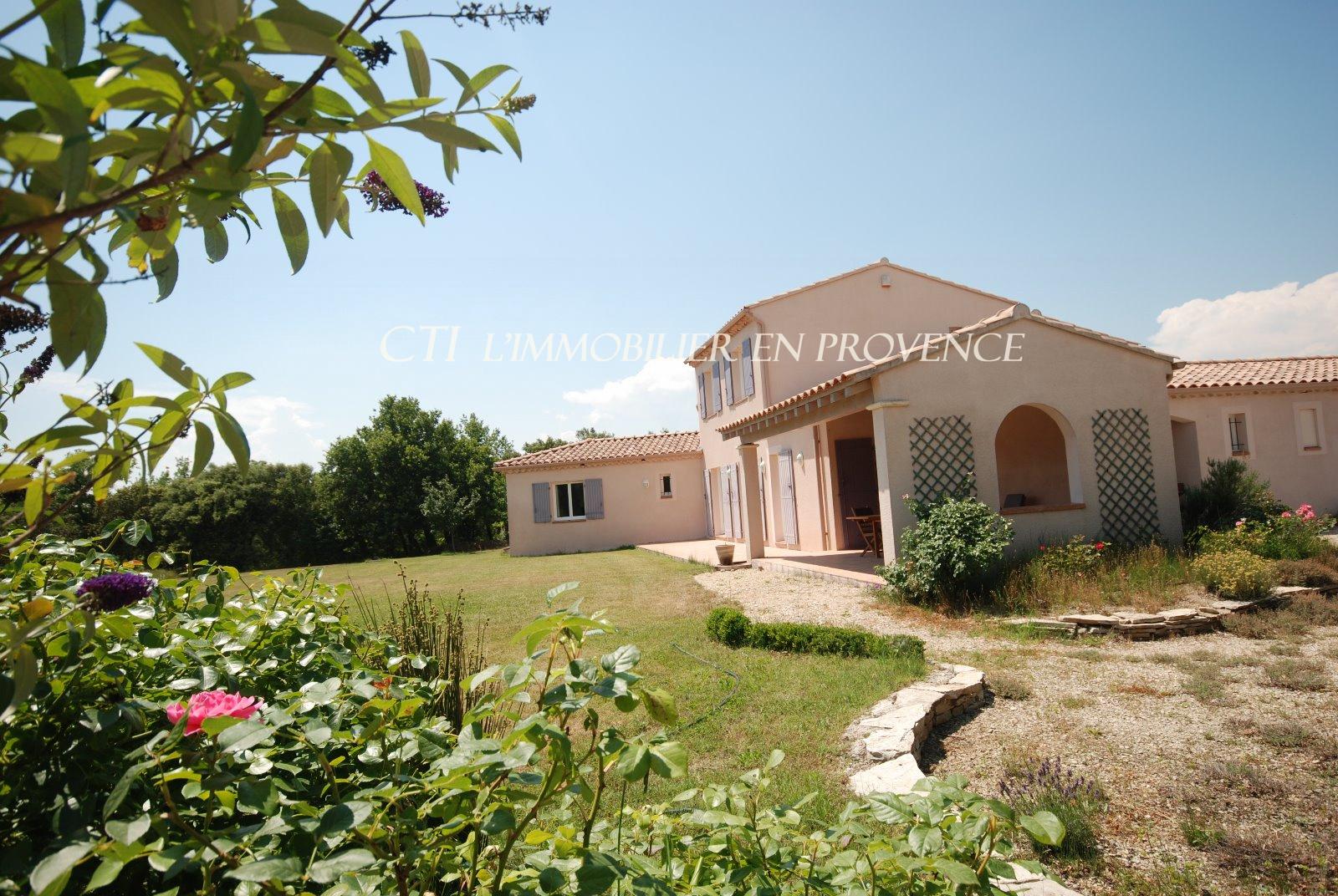 0 www.cti-provence.net, vente villa prestations de qualité, grand terrain avec piscine nature