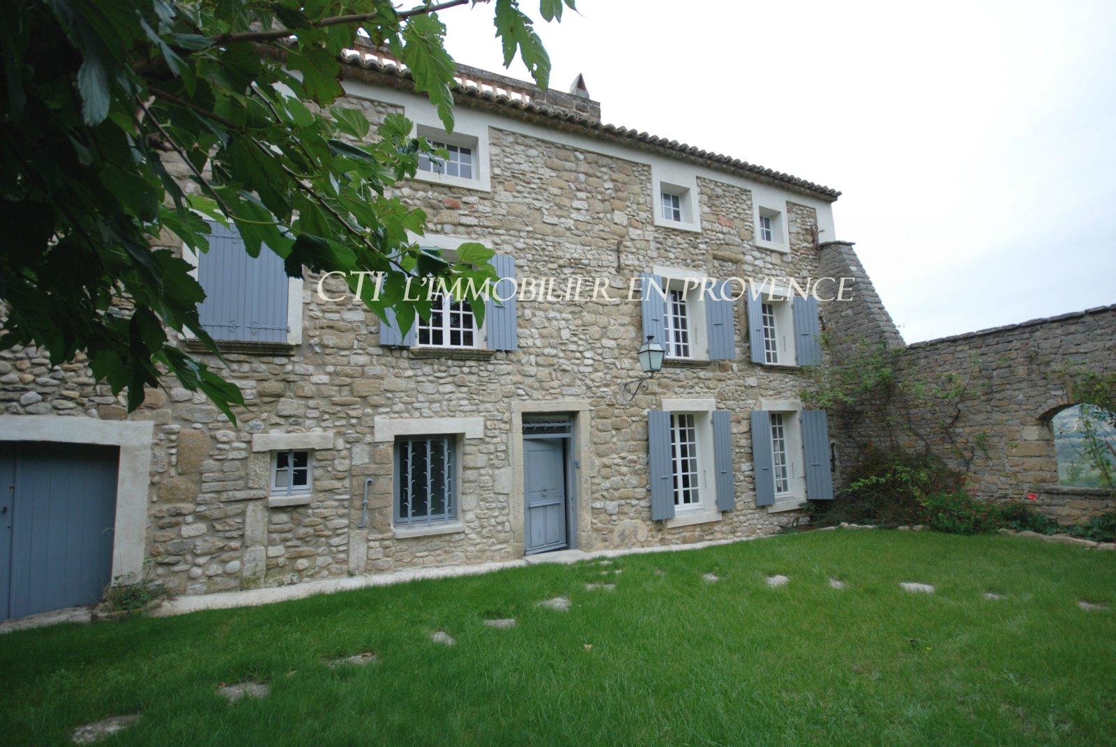 17th Century chateau with stunning views and spacious living