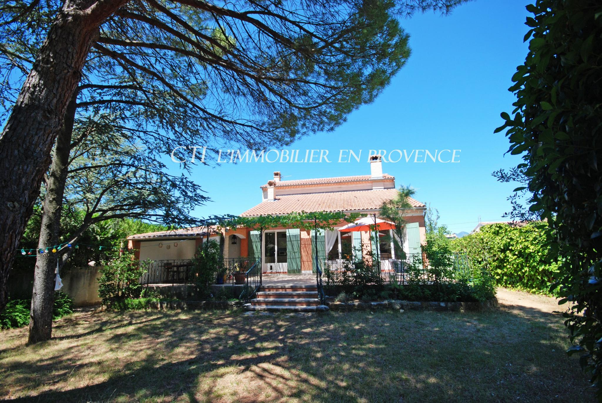 0 www.cti-provence.net, vente grande maison proche centre ville Vaison, beau jardin, piscine,d