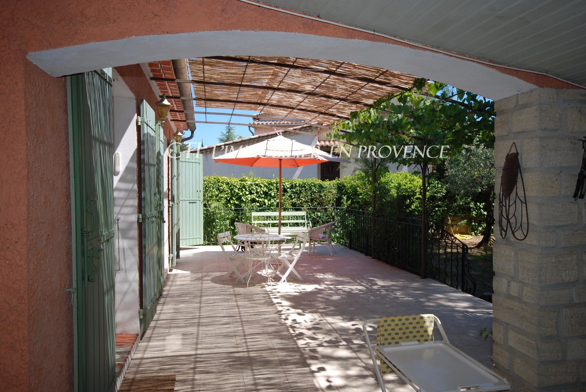 0 www.cti-provence.net, vente grande maison proche centre ville Vaison, beau jardin, piscine,d&eacut