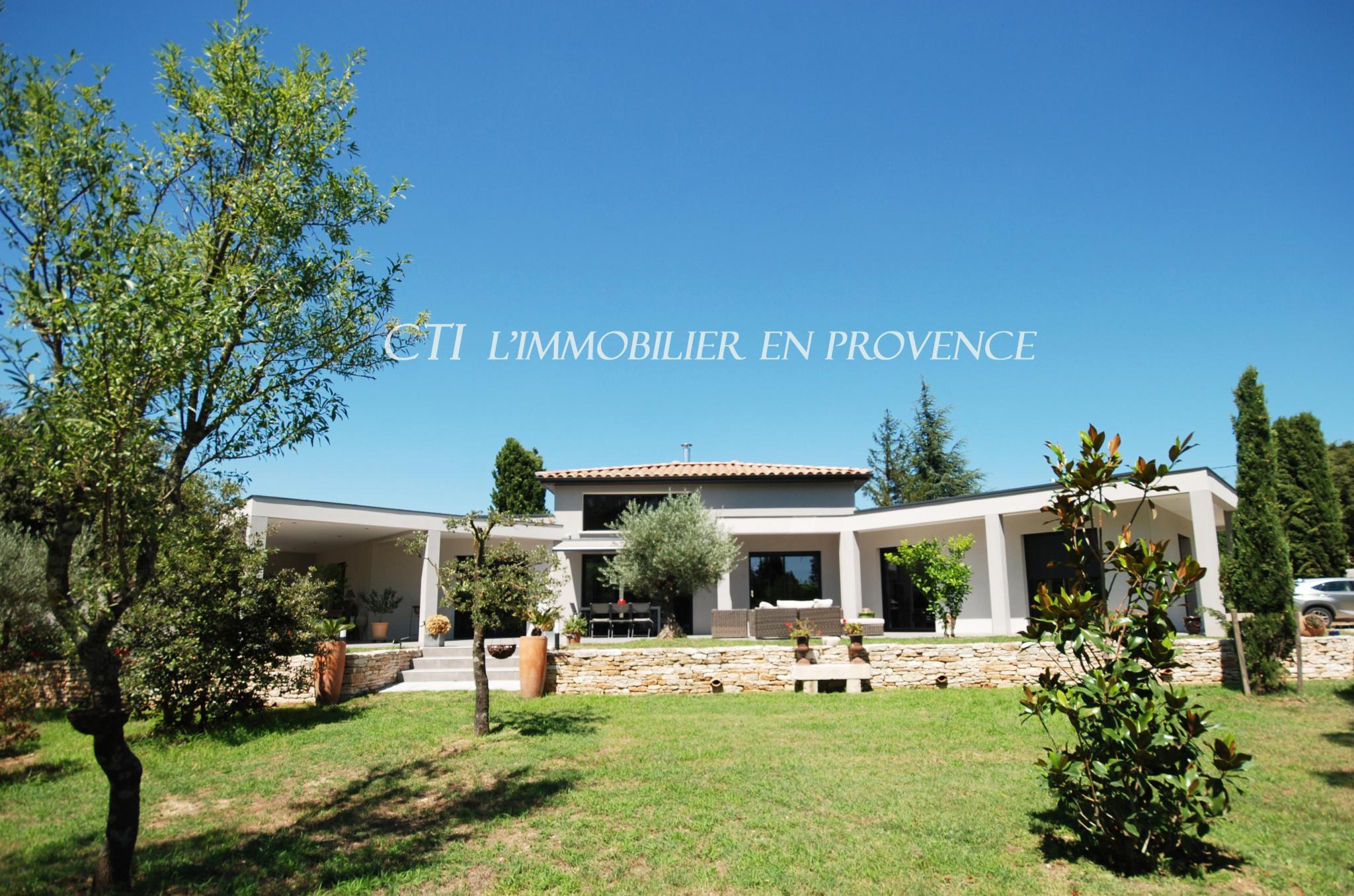 0 www.cti-provence.net A VENDRE MAISON ARCHITECTE NEUVE RT 2012 GRANDS VOLUMES PLEIN SUD JARDIN
