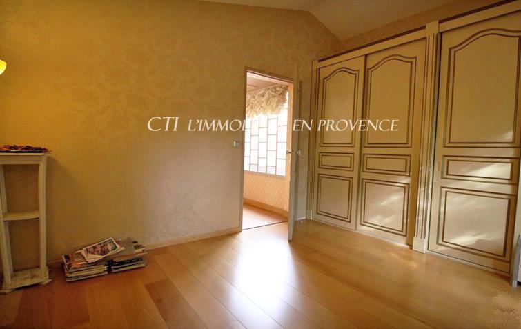 www.cti-provence.net VENTE PROPRIETE VILLA CARACTERE CENTRE VILLE VAISON-LA-ROMAINE JARDIN PISCINE