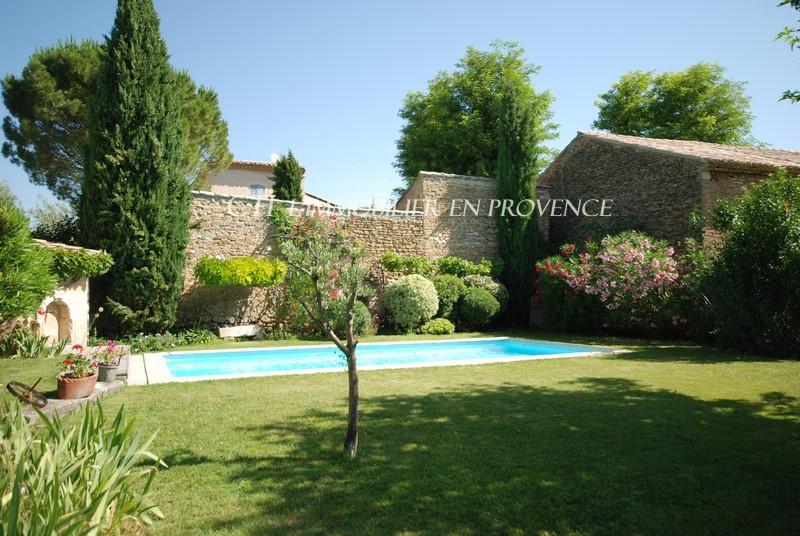 Demeure de village chargée d'Histoire en Drôme provençale www.cti-provence.net
