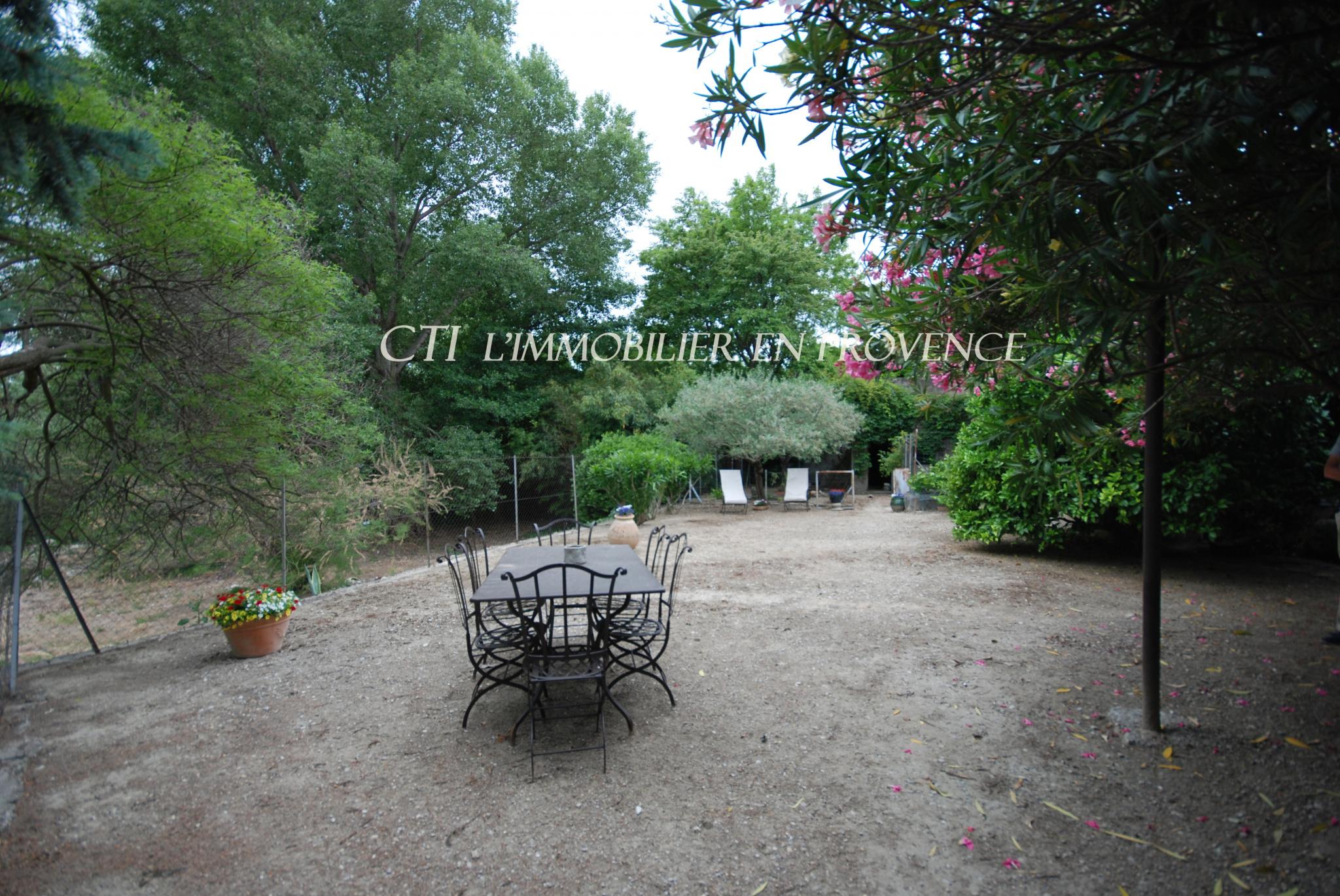 0 www.cti-provence.net, maison ancienne de charme restaurée avec jardin et source, vue Ventoux