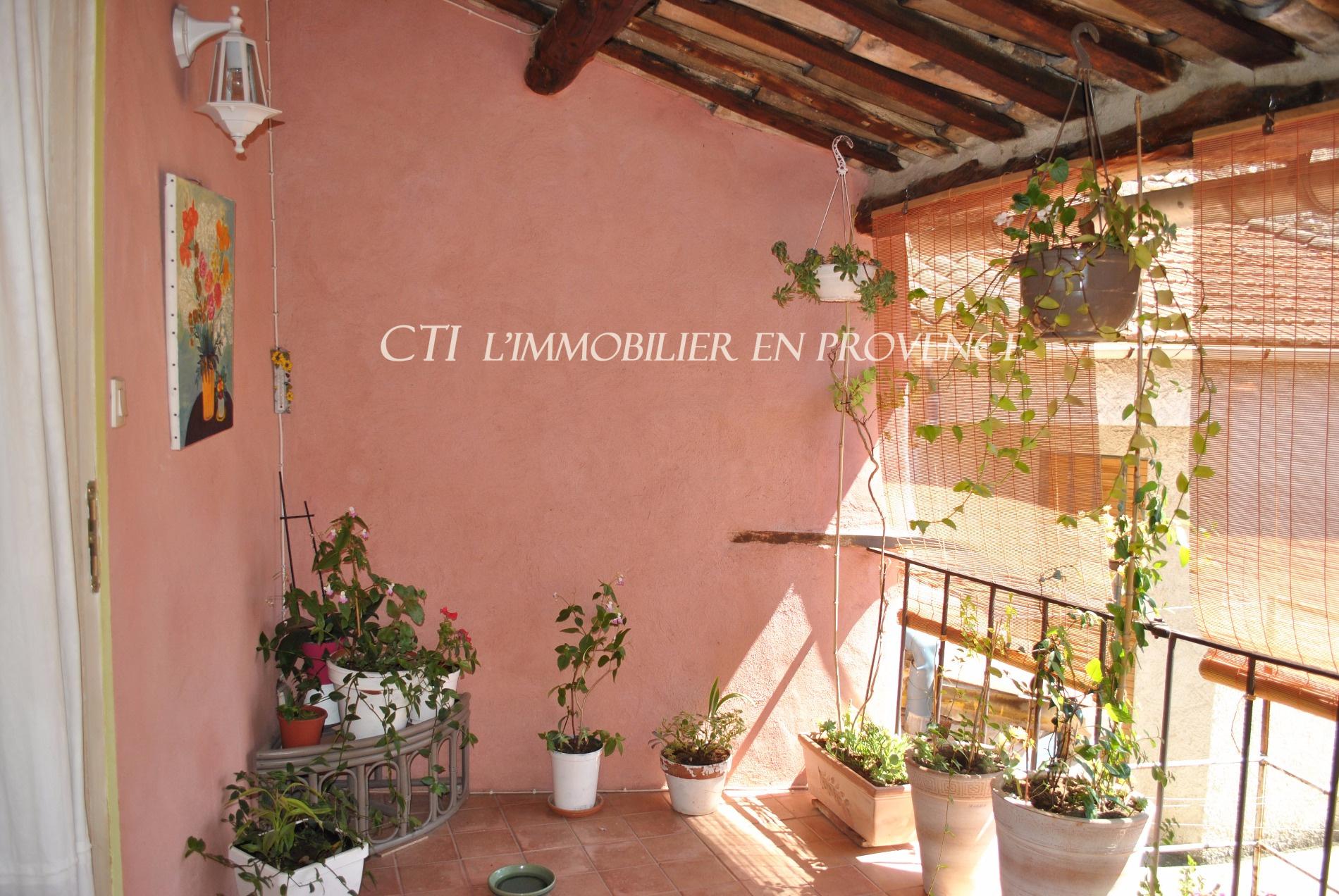 0 www.cti-provence.net, vente maison de village restaurée sur 3 niveaux, garage, terrasse