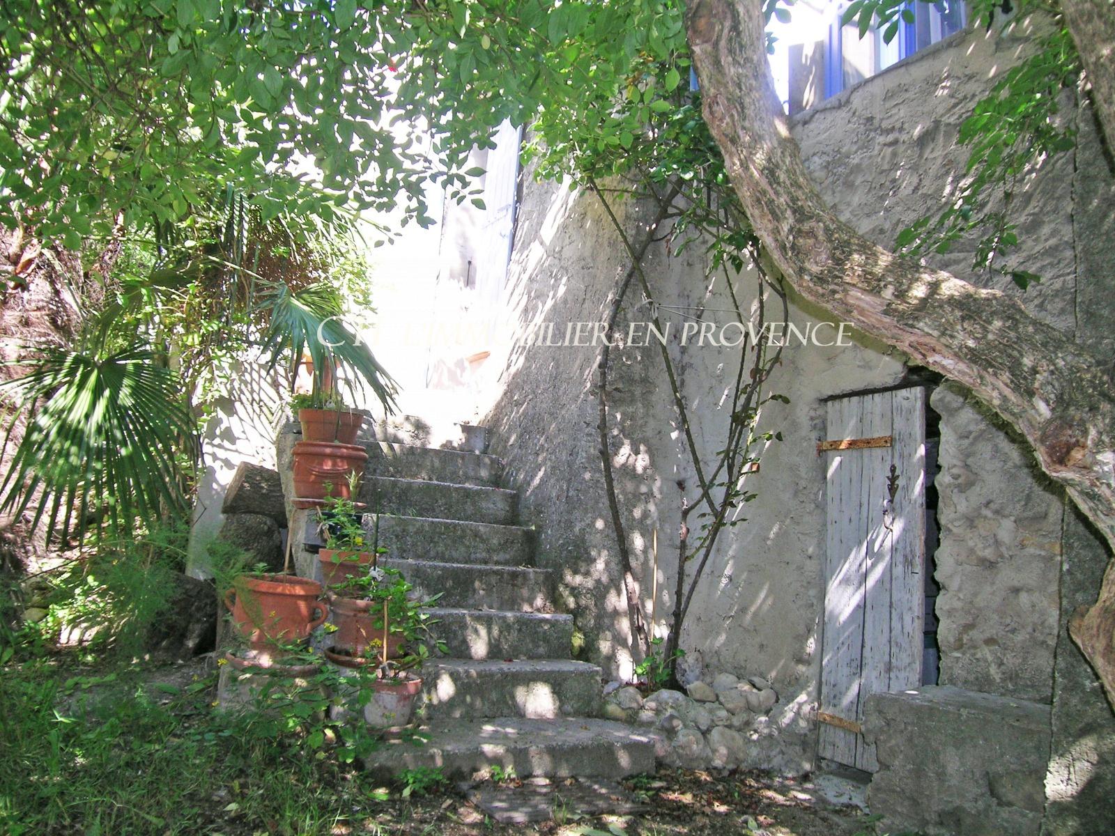 0 www.cti-provence.net, vente maison de village de charme, . S.H 105 m². terrasse, remise, jard