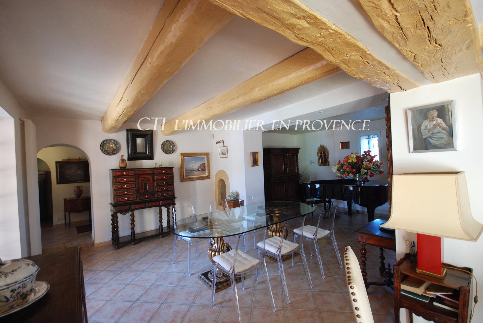 0 www.cti-provence.net, vente mas de caractère restauré avec goût, proche Vaison
