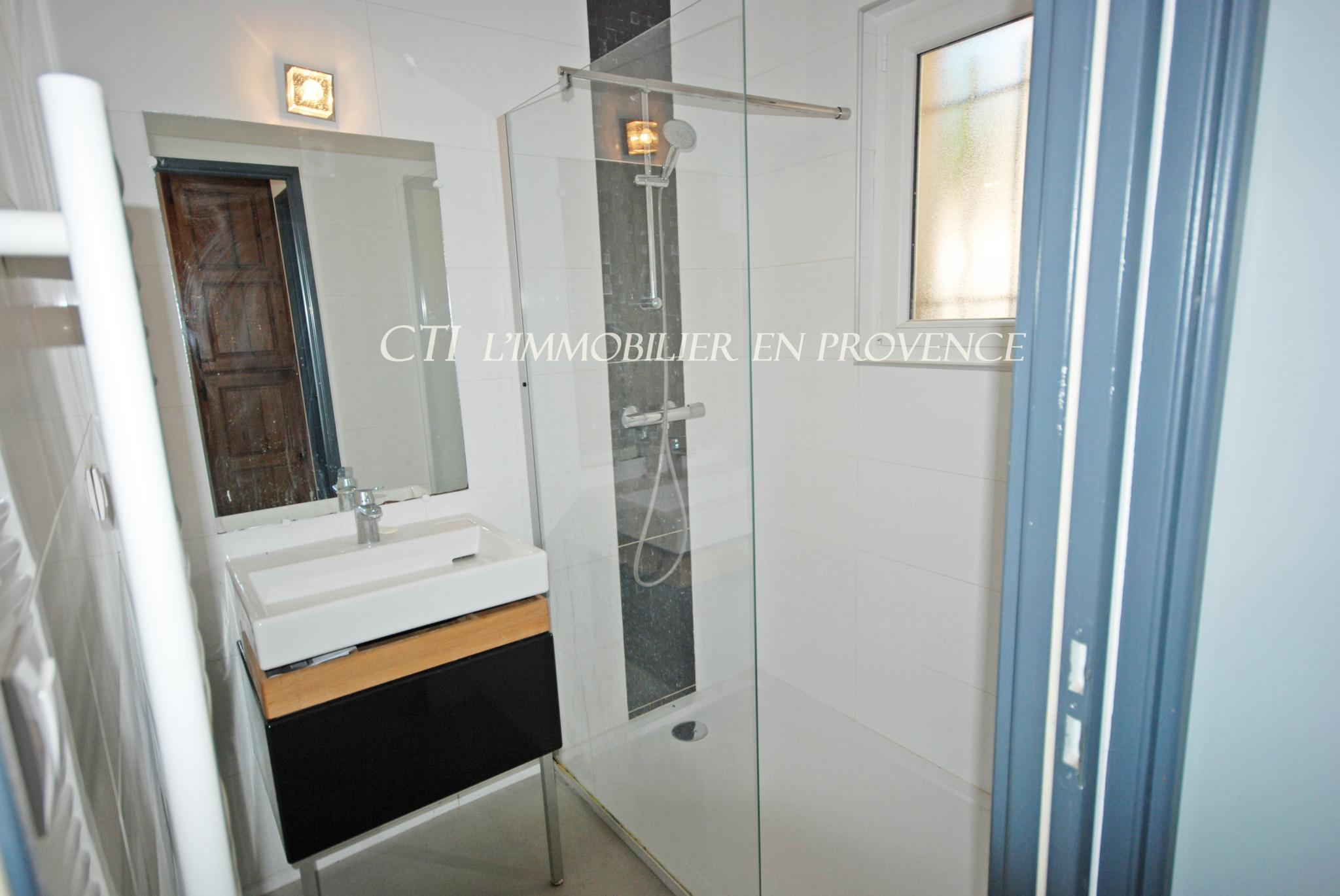 0 A VENDRE www.cti-provence.net VILLA JARDIN PROCHE CENTRE VILLE VAISON-LA-ROMAINE GARAGE 4 CHAMBRES