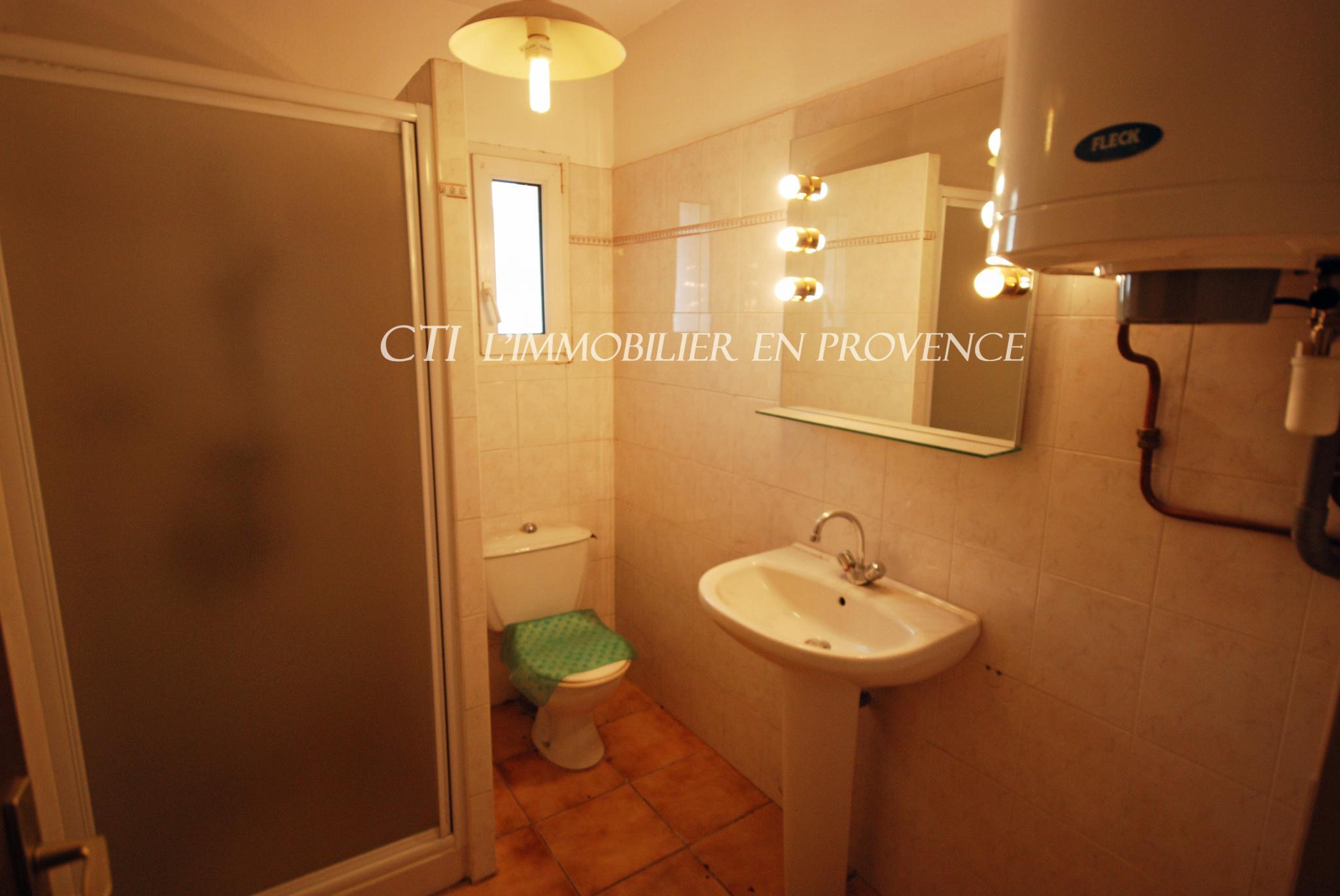 Centre ville Vaison-la-Romaine Appartement T2 à vendre chez www.cti-provence.net