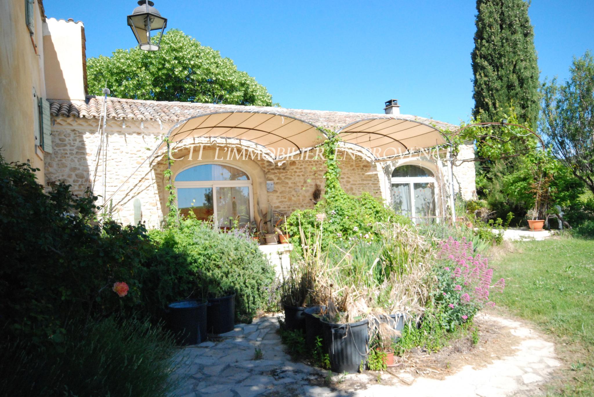 0 www.cti-provence.net MAS DE CAMPAGNE PIERRE A VENDRE PROCHE VAISON LA ROMAINE VUE MONT-VENTOUX
