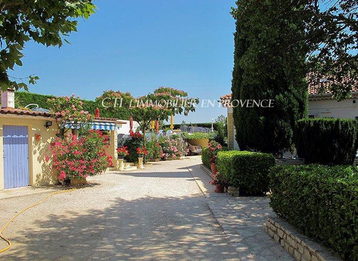 0 www.cti-provence.net, vente position dominante vue à 180°, propriété avec