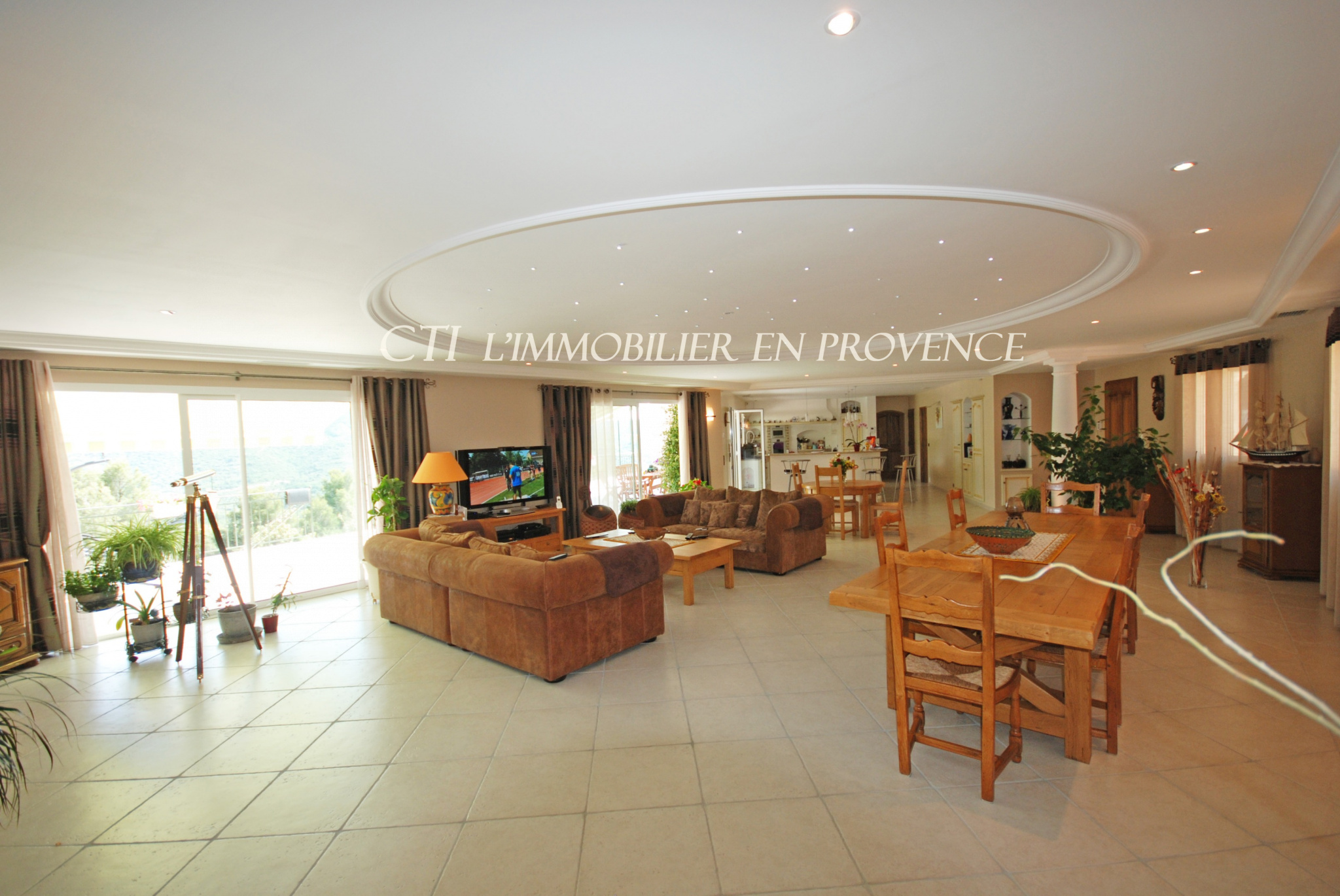 0 www.cti-provence.net, superbe maison d'architecte , belles prestations, piscine, vue Mont Ventoux
