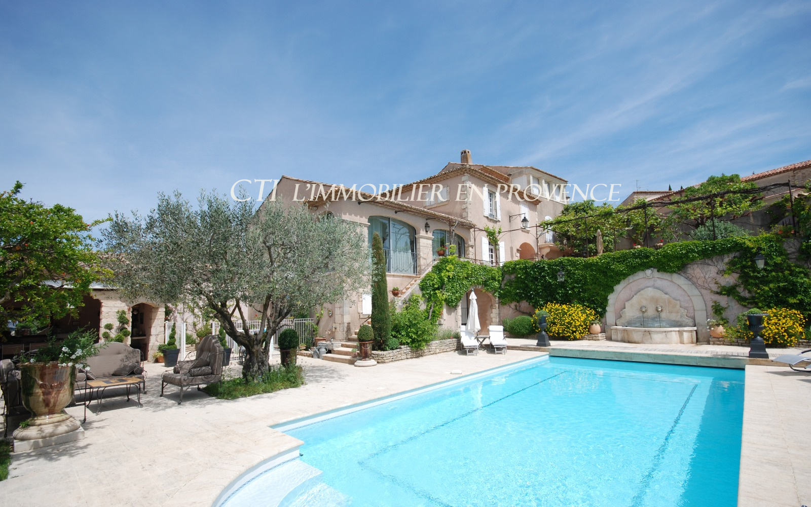 HOUSE FOR SALE VILLAGE PROVENCAL STYLE WITH A VIEW 180