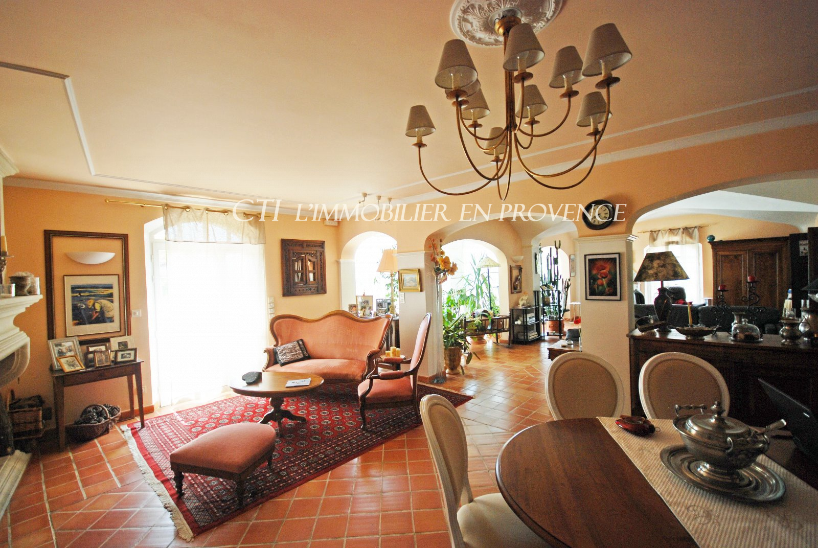 0 www.cti-provence.net, vendre, propriété de caractère dans un village, dominan