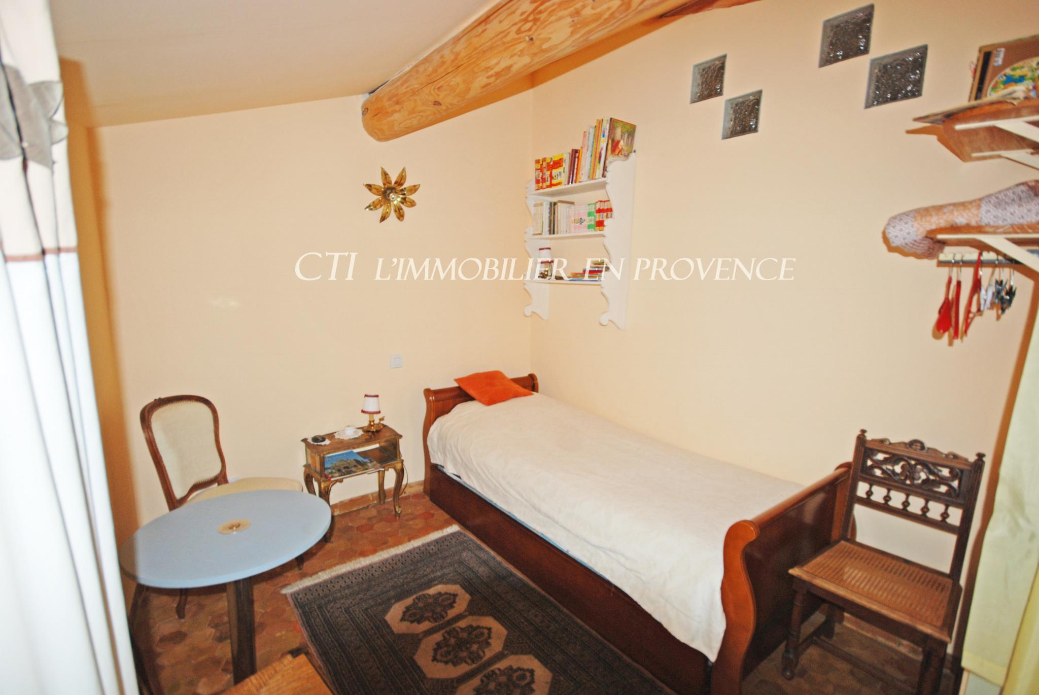 A VENDRE www.cti-provence.net MAISON EN PIERRE VUE VAISON LA ROMAINE TERRASSE COUR GARAGE CAVE