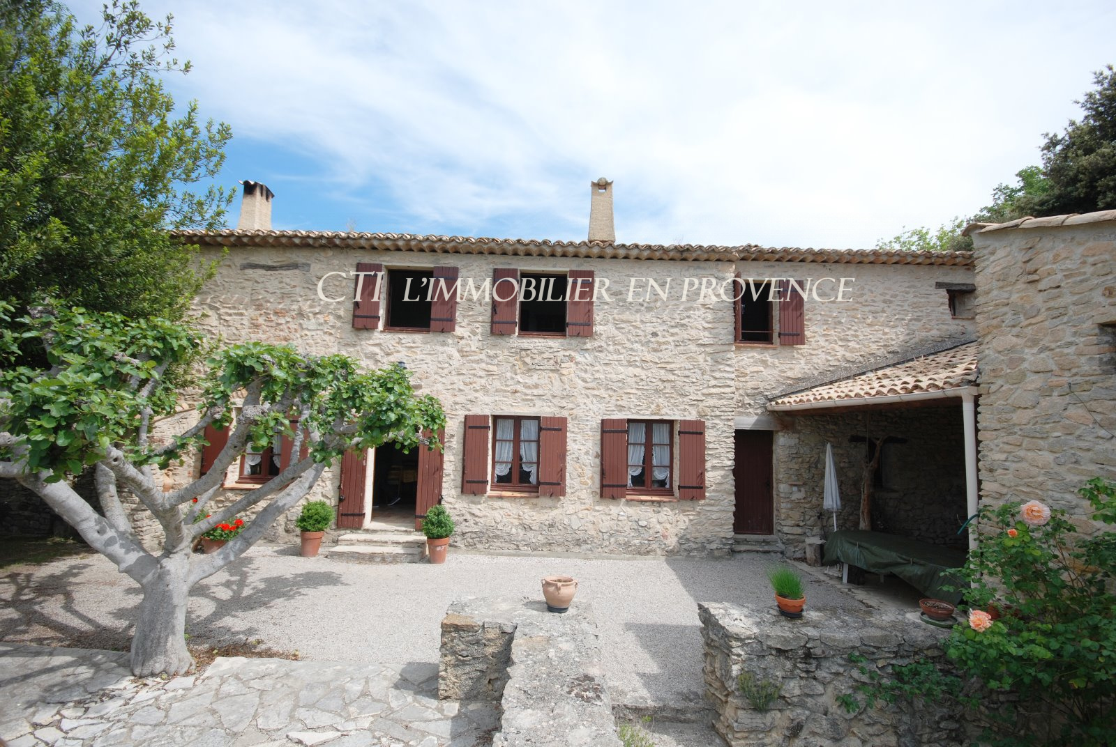 A rare opportunity; restored, stone Provencial farmhouse with panoramic views