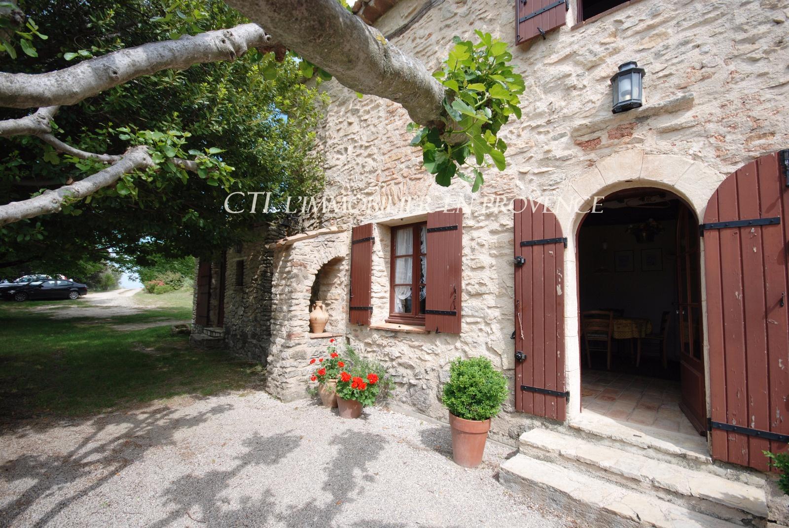 0 www.cti-provence.net, vente mas en pierre vue  dominante, restauré dans son jus, terrain d'