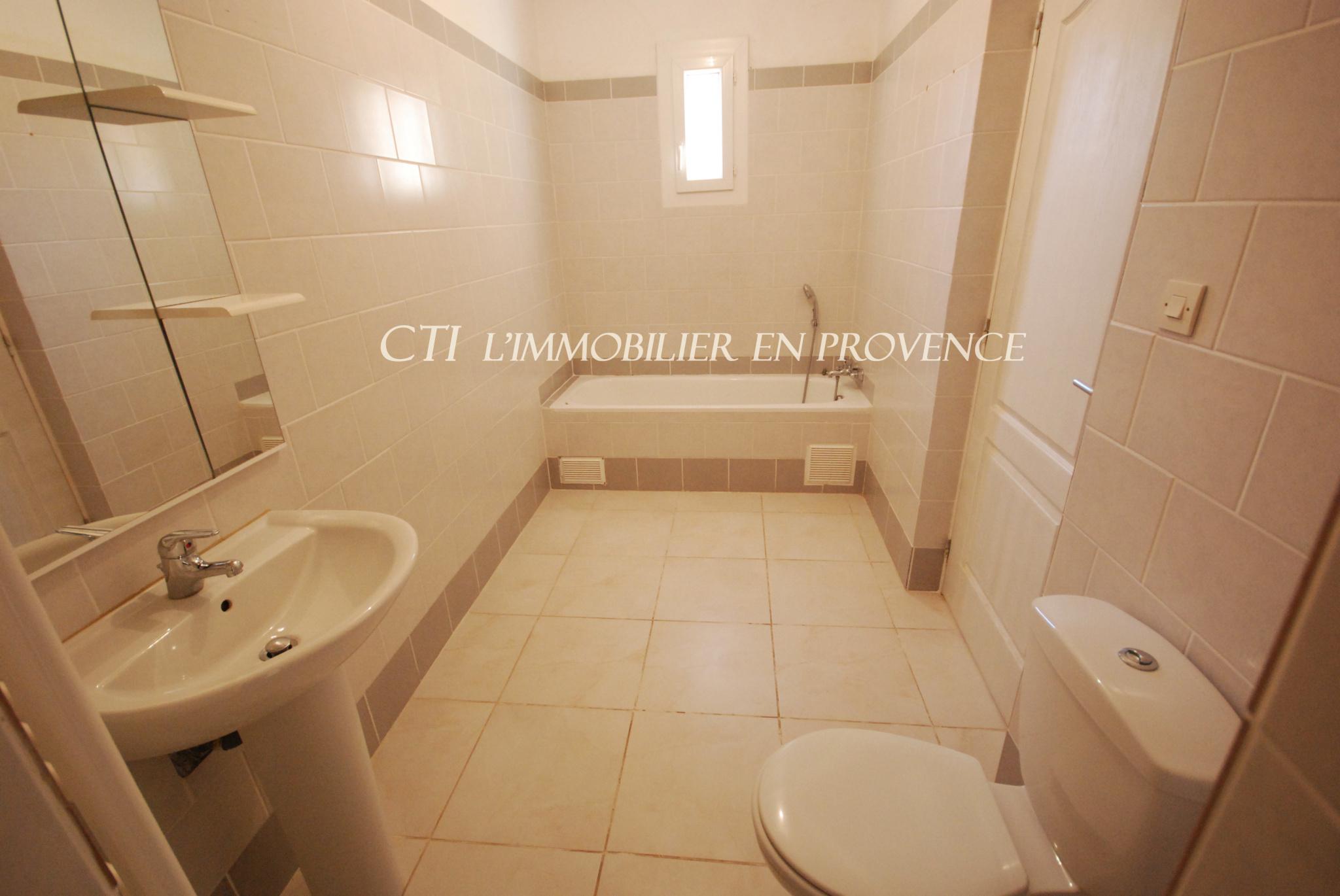 0 www.cti-provence.net, villa de plain pied (3 chambes) jardin clos à10 mn de Vaison la Romaine