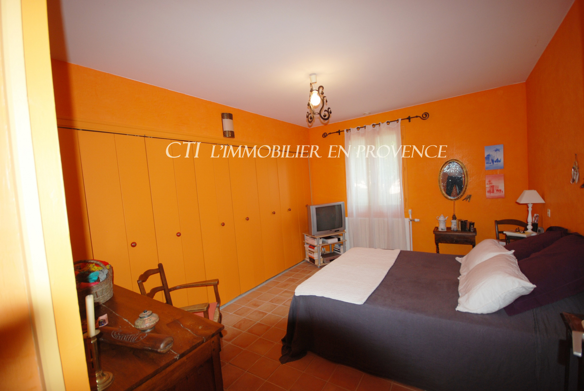 0 www.cti-provence.net, vente villa plain pied (4 chambres) jardin, piscine, garage, commerces