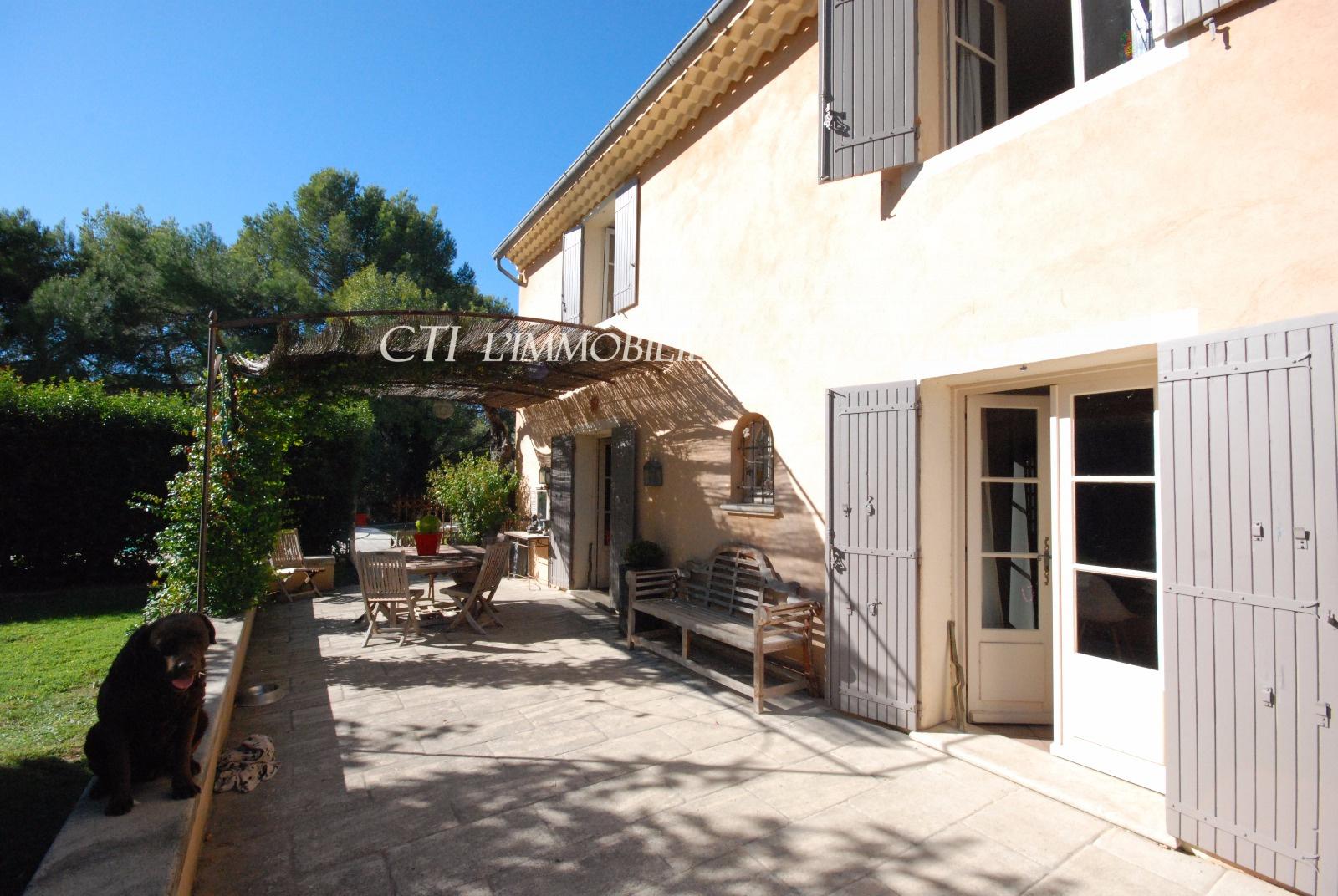 0 www.cti-provence.net, vente bastide provençale, excellent confort, piscine, terrain