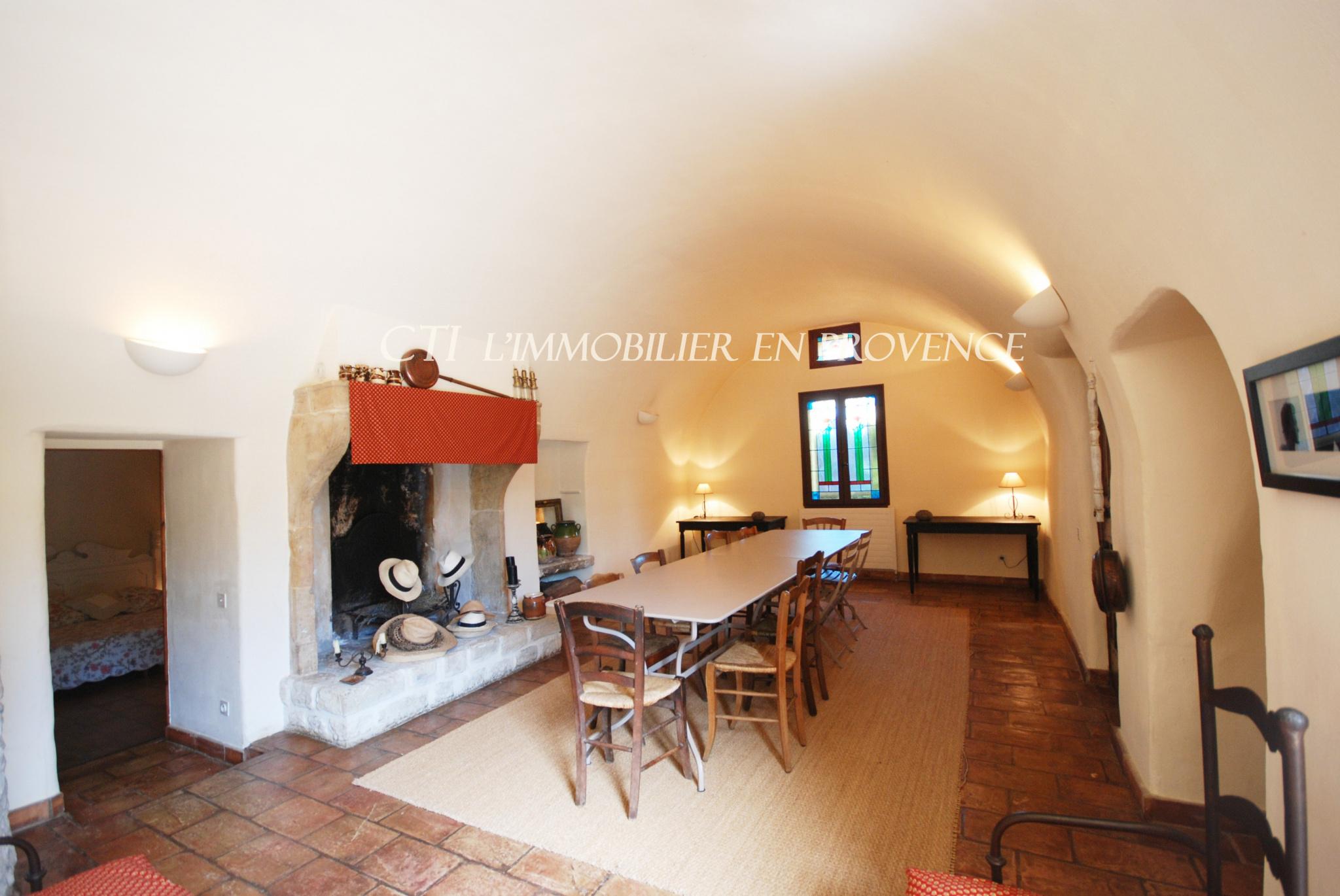 0 www.cti-provence.net, demeure de prestige, charme, centre-ville, piscine, matériaux authent