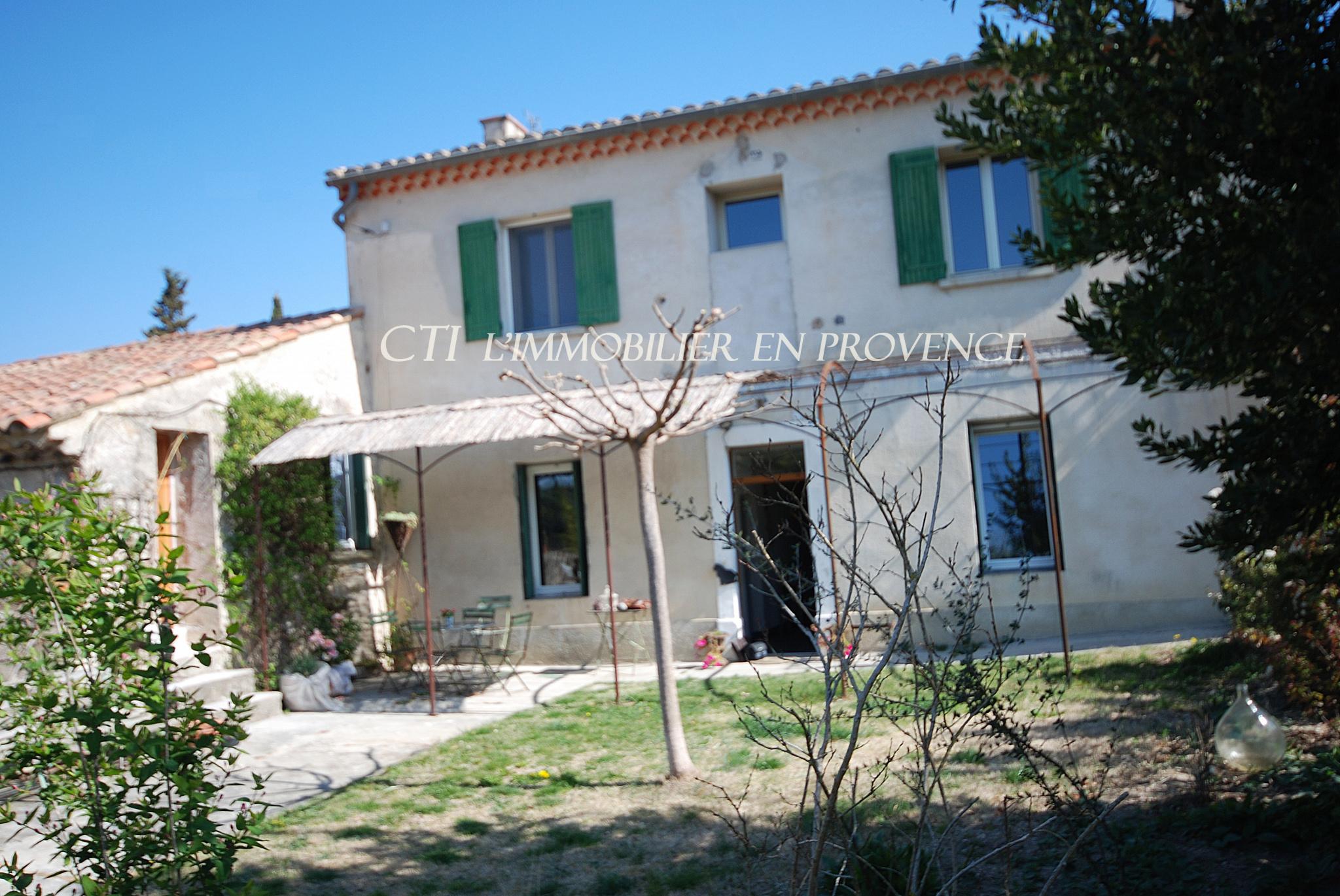 0 www.cti-provence.net A VENDRE ANCIENNE FERME 2 HABITATIONS DEPENDANCES POSS GITES CHAMBRES D' HOTE