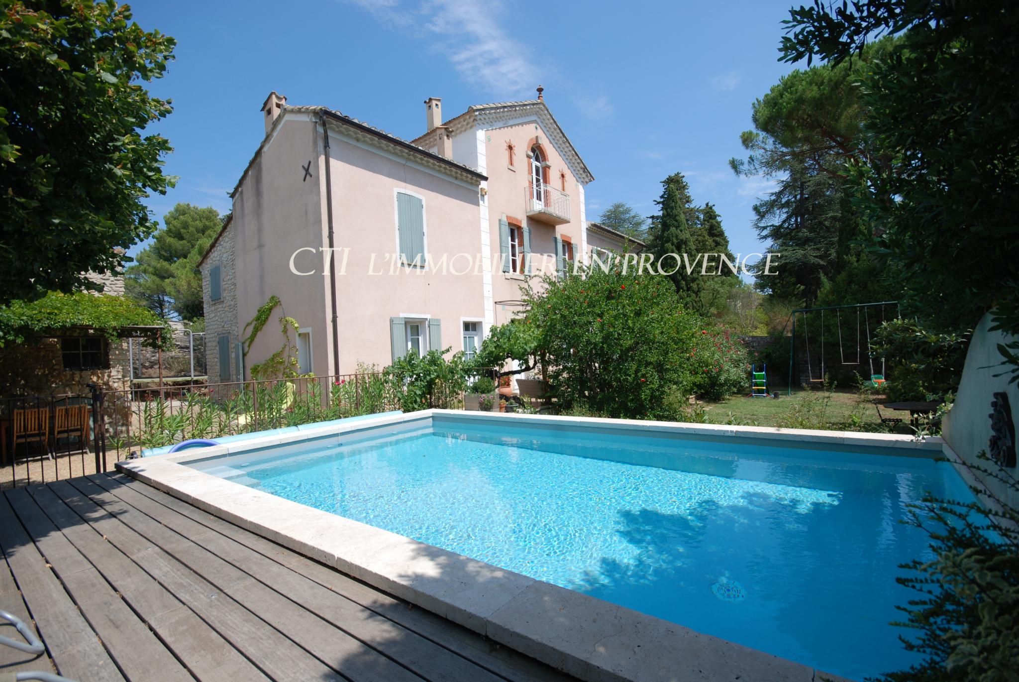 0 www.cti-provence.net VAISON-LA-ROMAINE DEMEURE CHARME MAISON  VILLE JARDIN PISCINE  PIED COMMERCES