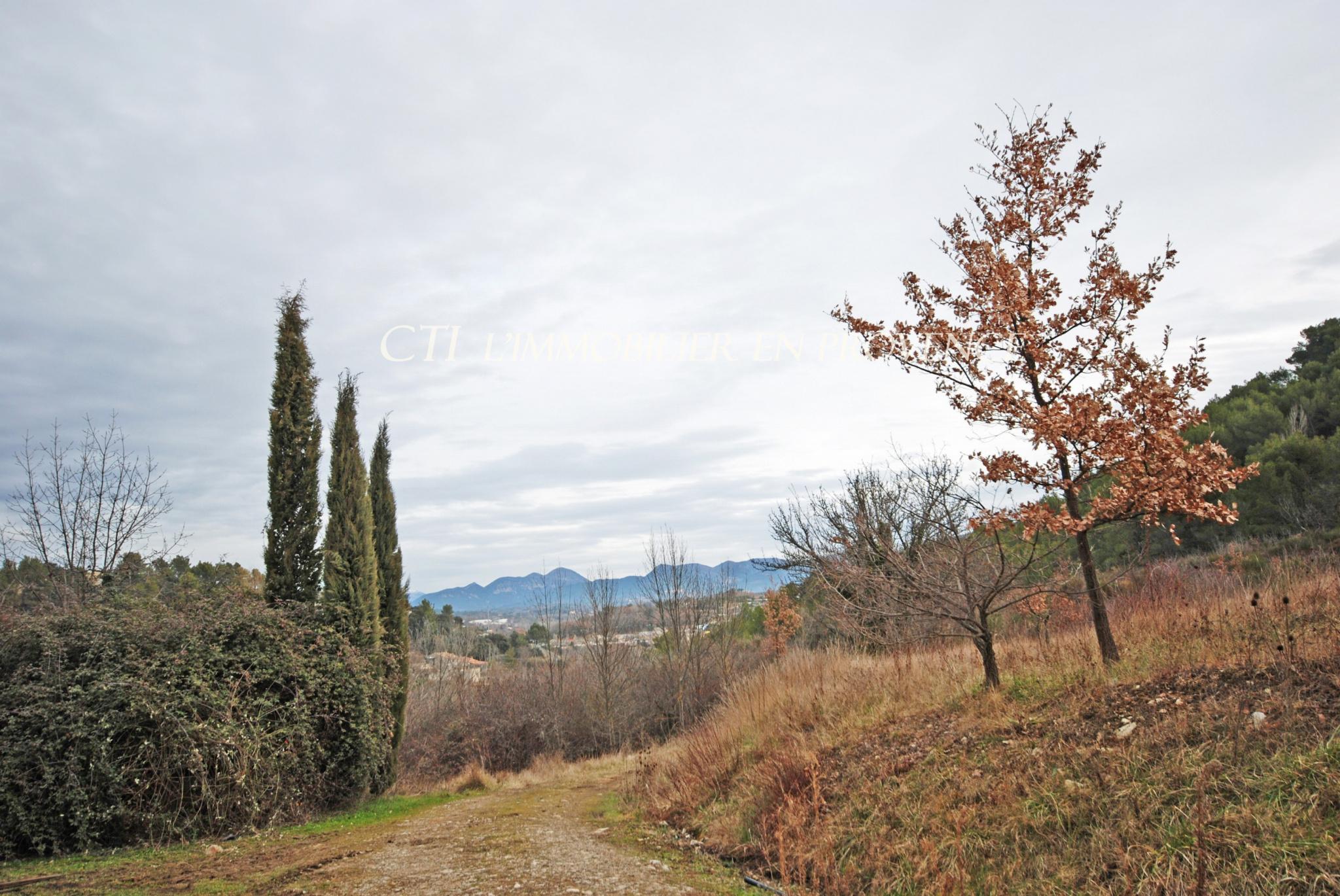 0 www.cti-provence.net VENTE PROPRIETE 10 HECTARES MAS DEPENDANCES A 5 MIN DE VAISON