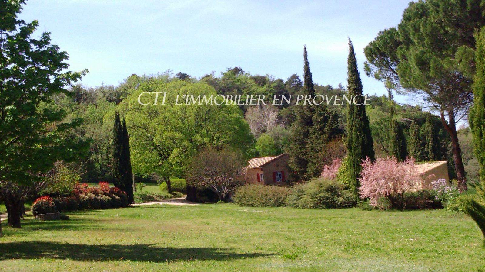 0 www.cti-provence.net, grande propriété de caractère sur parc de 4 HA, vue sur