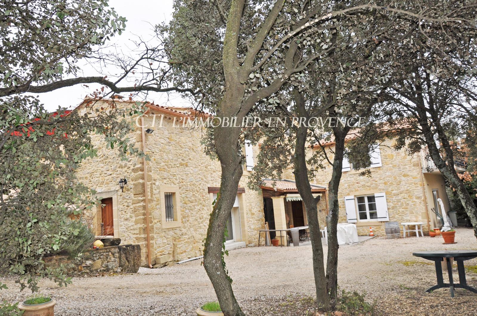 0 www.cti-provence.net -Vente propriété en pierre, beaux volumes. S.H 290 m²   d