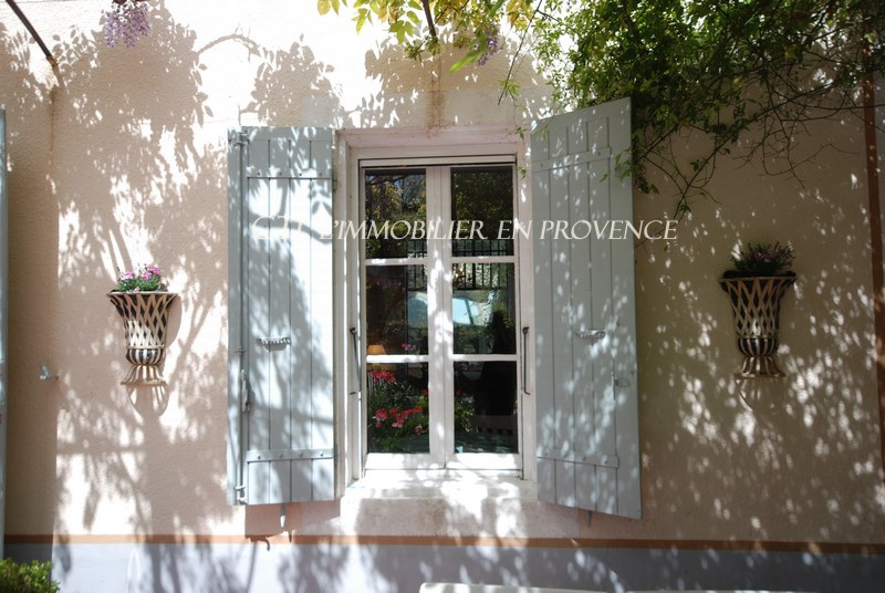 0 www.cti-provence A VENDRE MAISON DE  CHARME CENTRE HISTORIQUE VAISON LA ROMAINE 3 CHAMBRES JARDIN