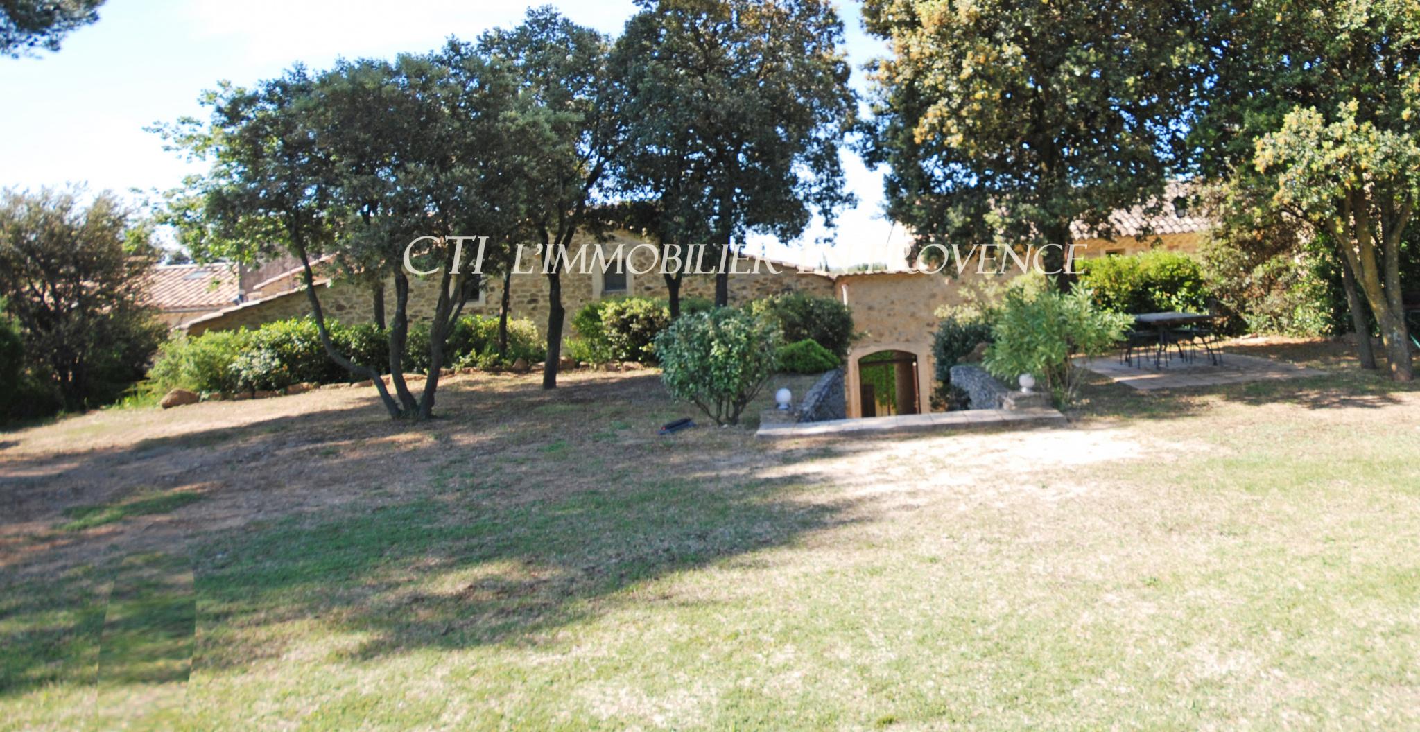 VENDRE www.cti-provence.net PROPRIETE MAS PIERRE HAB   5 APPARTEMENTS GITES JARDIN PARC PISCINE