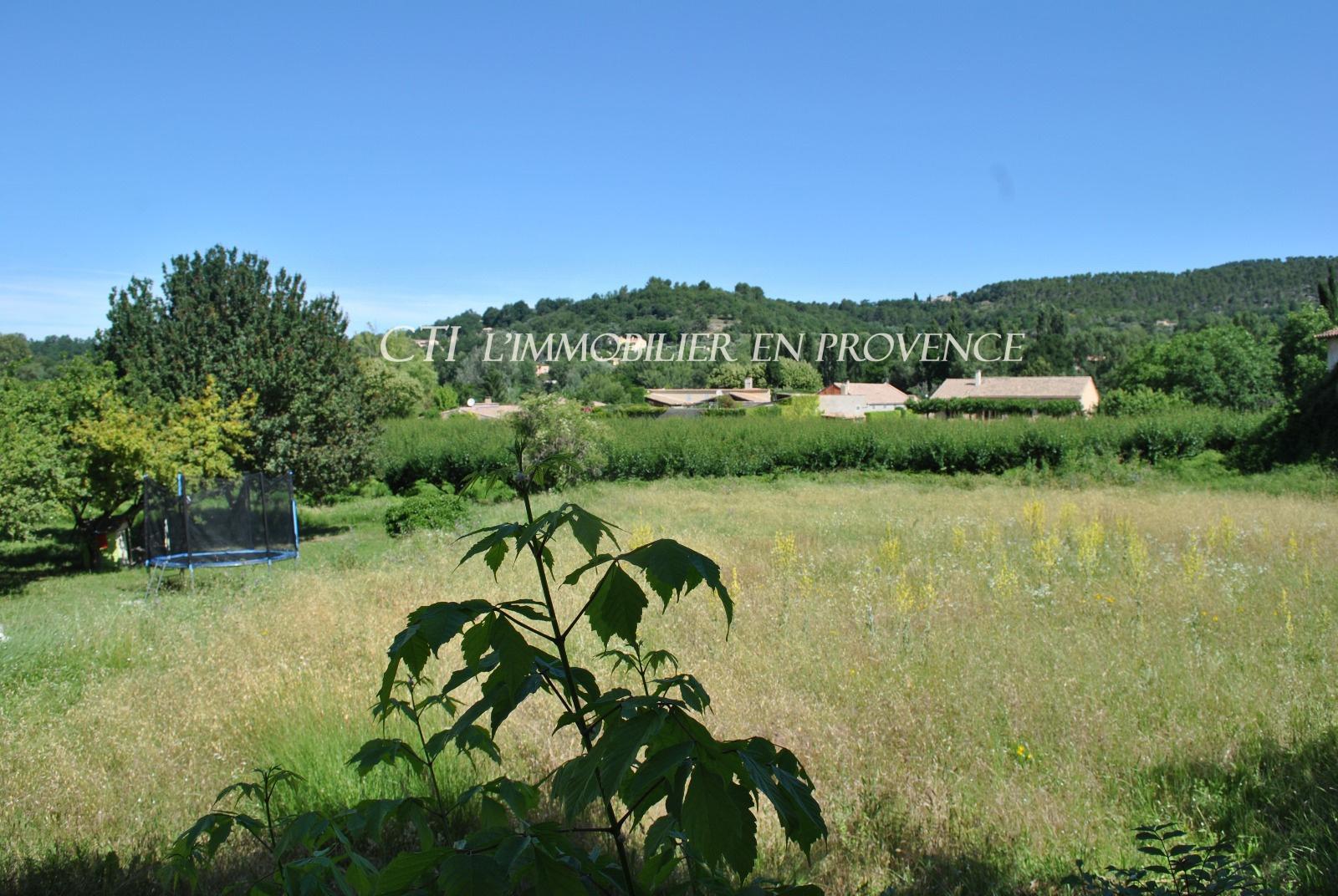 0 www.cti-provence.net, vente terrain constructible proche commerces et centre village, vue