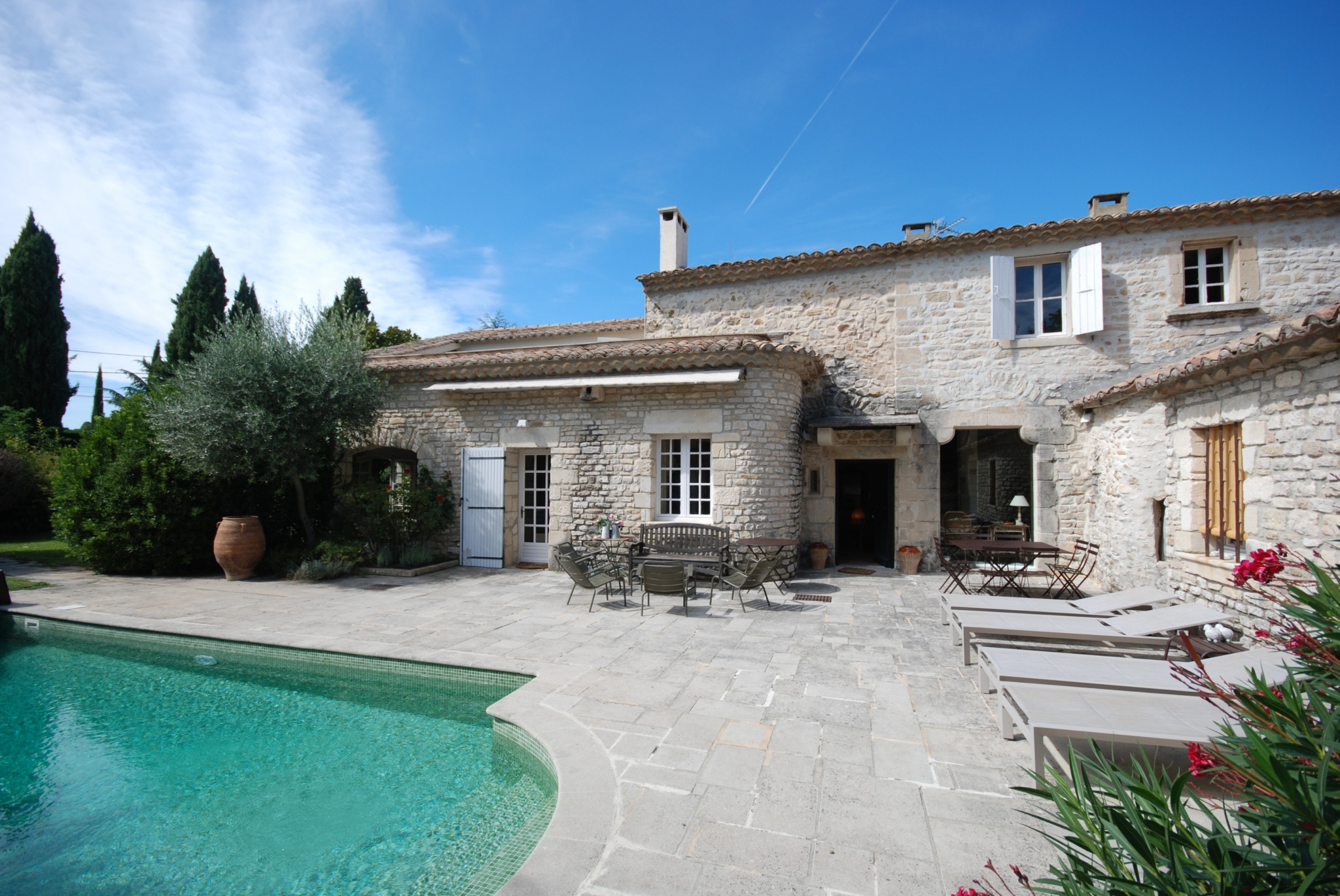 SUPERB PROPERTY IN STONE NEAR CENTER TOWN OF VAISON-LA-ROMAINE